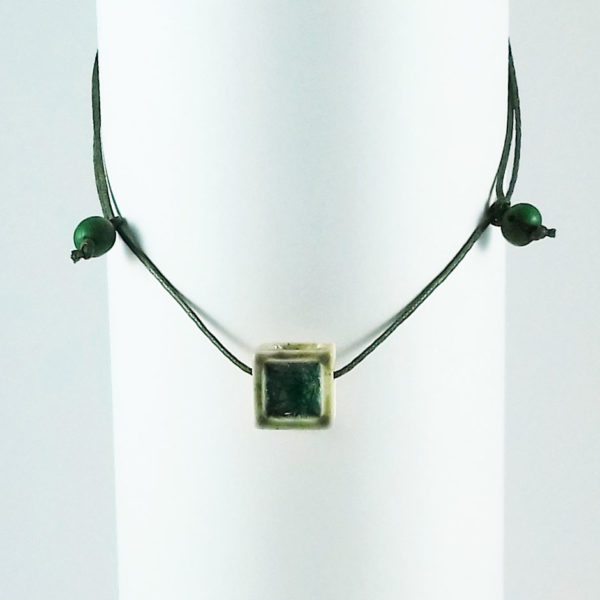 LV loja virtual pingente verde