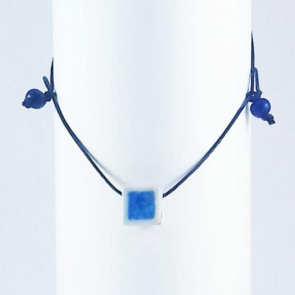 LV pingente azul